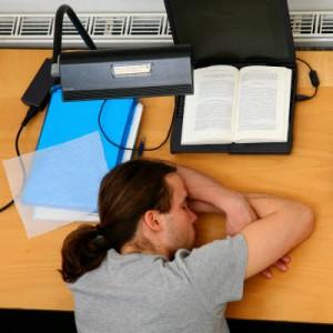 Schlafen in der Bibliothek