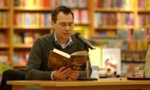 Sebastian Fitzek bei einer Lesung